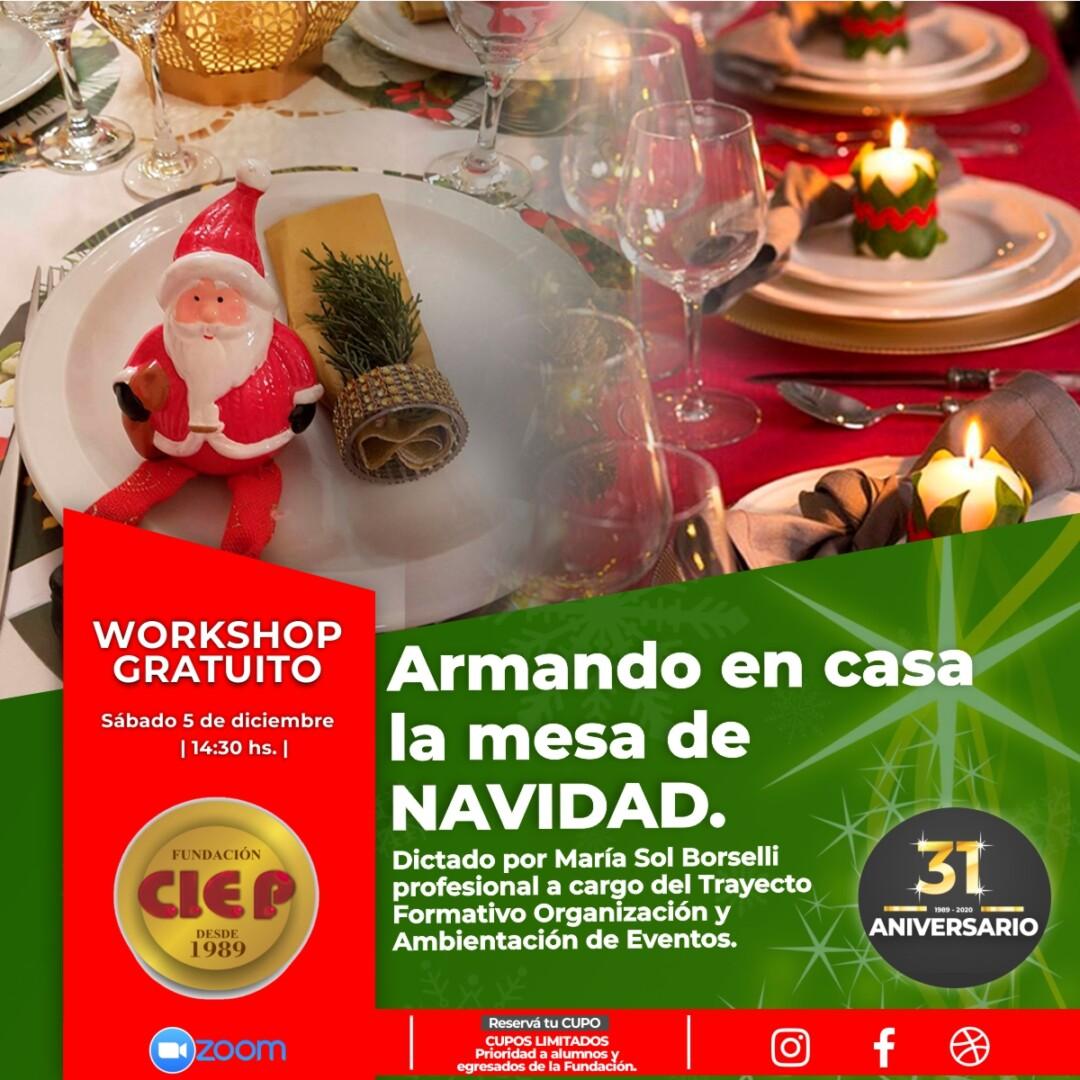 Armando en casa la mesa de Navidad